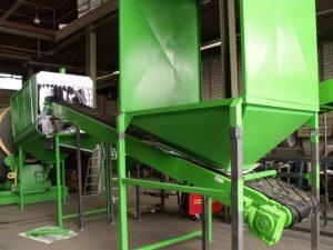 CRT-Glasreinigungsanlage im Bau